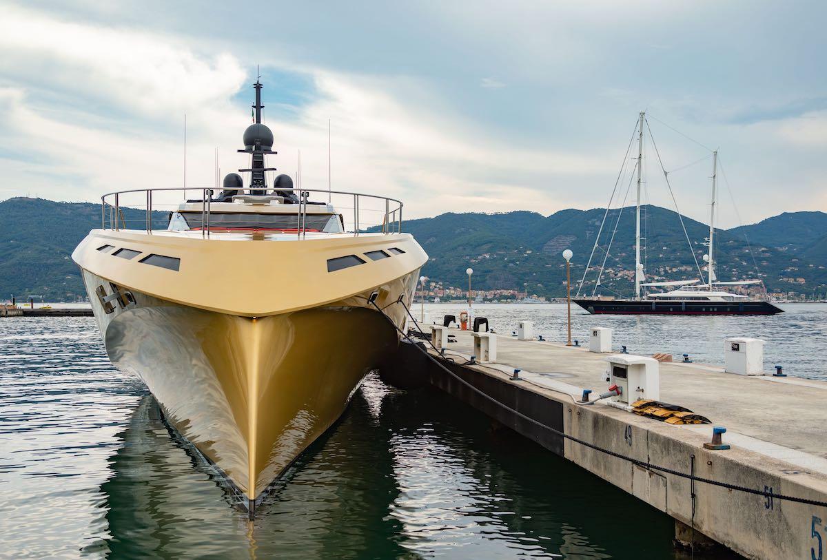Porto Lotti offre ormeggi per barche di grandi e lunghe dimensioni in Italy La Spezia