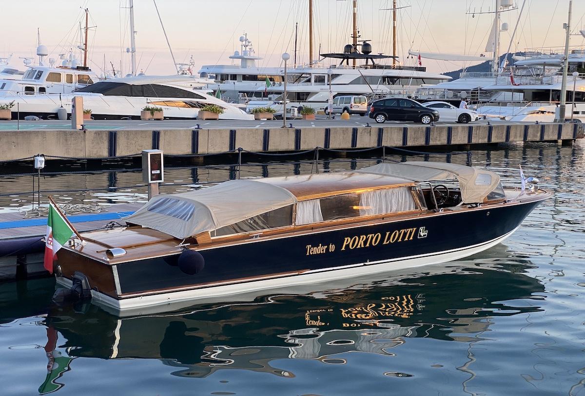A Porto Lotti un tender a tua disposizione water taxi