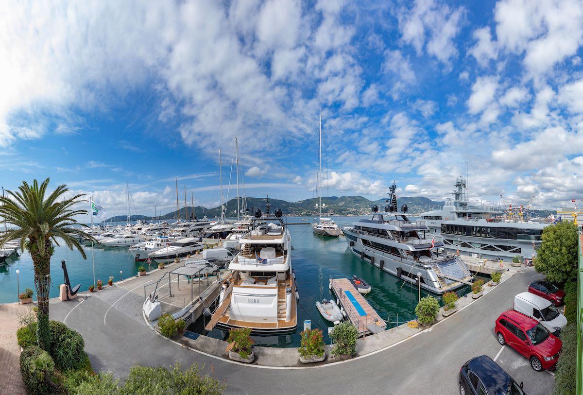 Porti italiani Porto Lotti nel Golfo di La Spezia Liguria 5 Terre Italia