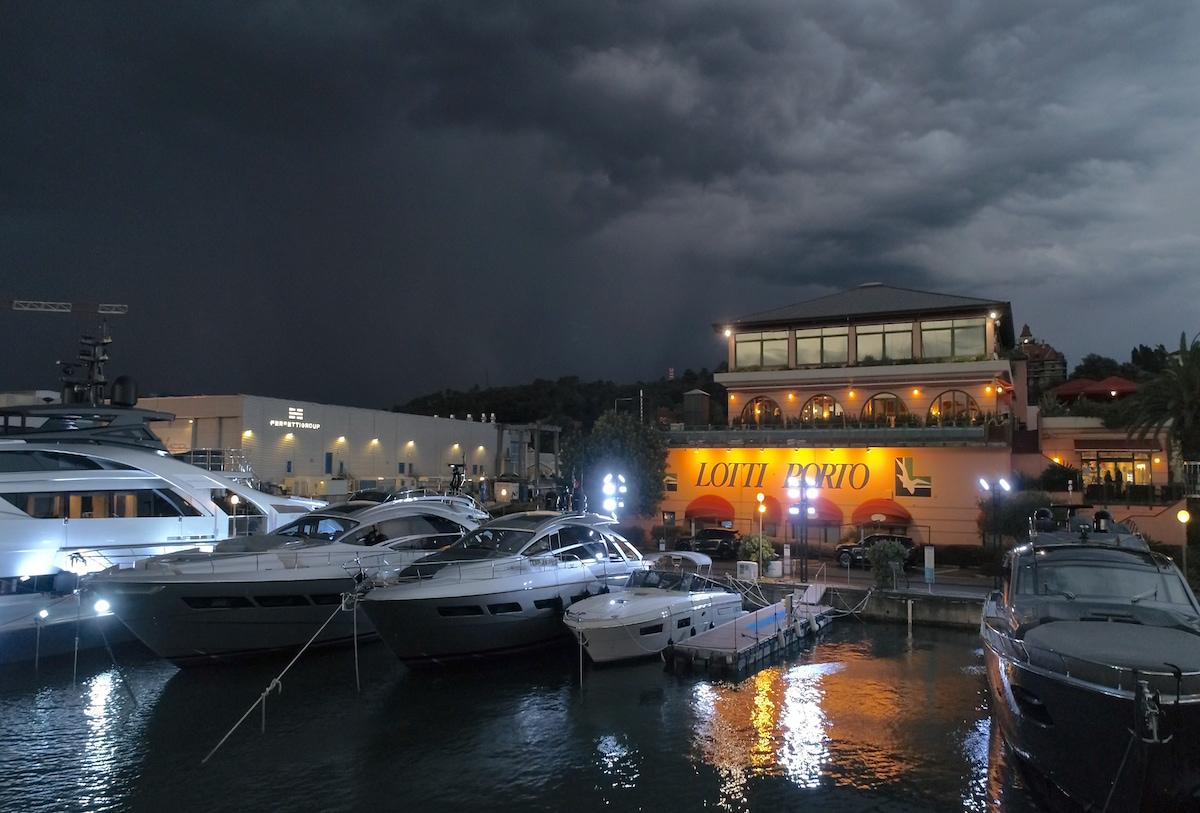 Docking super yachts in Italy at Porto Lotti