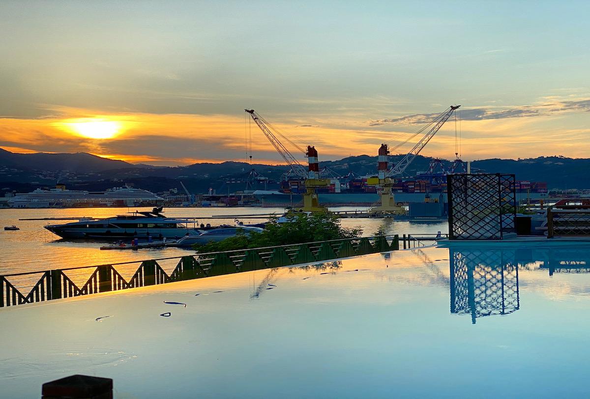 Porto Lotti è circondato dal territorio turistico e gastronomico italiano