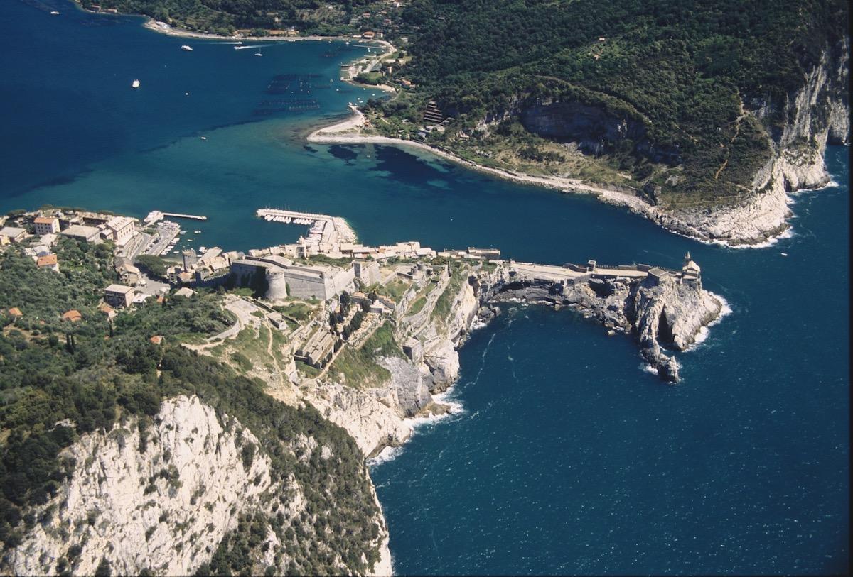 Mar Ligure Golfo della Spezia Arcipelago Spezzino isole liguri Porto Venere arcipelago isole Palmaria, Tino e Tinetto