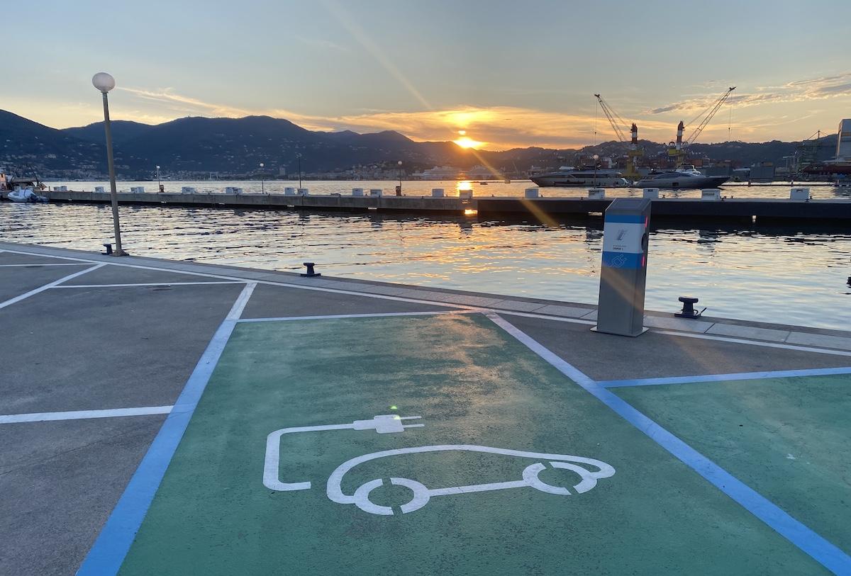 A Porto Lotti puoi ricaricare la tua auto elettrica La Spezia Italia Italy