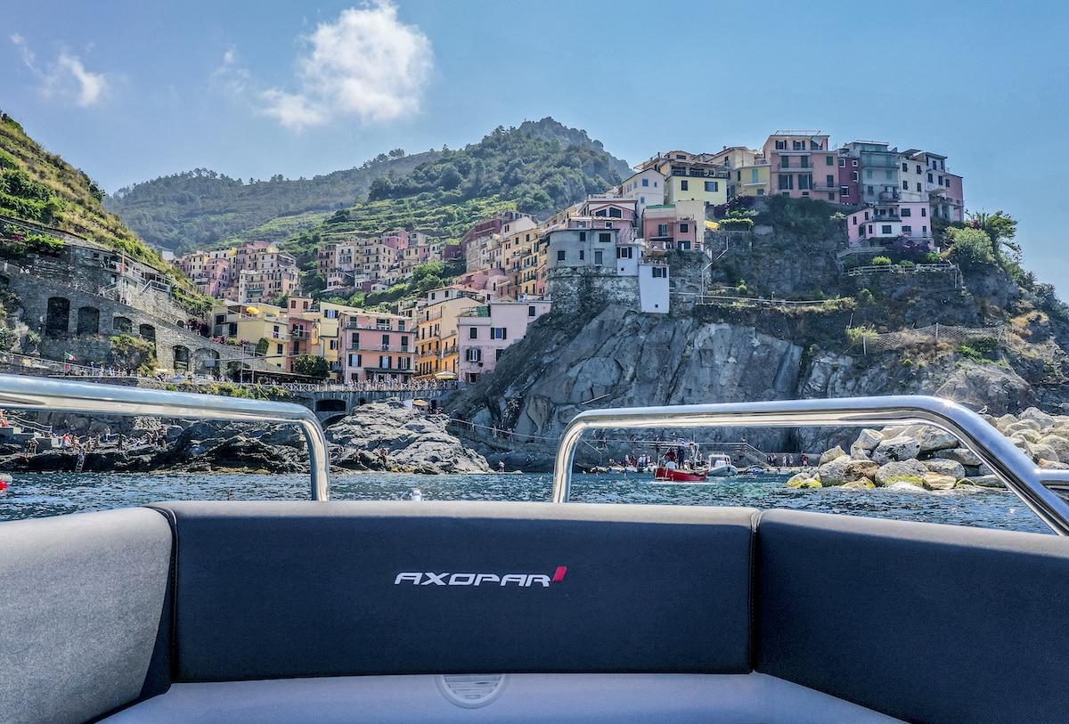 Porto Lotti si trova al centro delle bellezze turistiche Italiane in Liguria nel Golfo di La Spezia